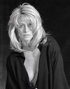 Sexy FARRAH FAWCETT 11x14 DBW Archival Photo Embossed by MILTON GREENE IM452