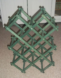 COLLAPSIBLE GREEN WINE RACK - HOLDS 8 BOTTLES
