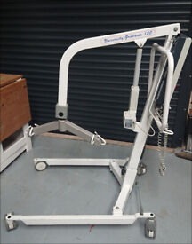 University Graduate 150 Mobility Hoist (Oxford type) in built charger