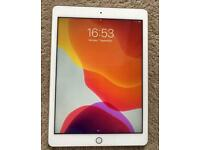"""2017 Apple iPad 5th Generation 9.7"""" silver 128Gb WiFi edition in great working order"""