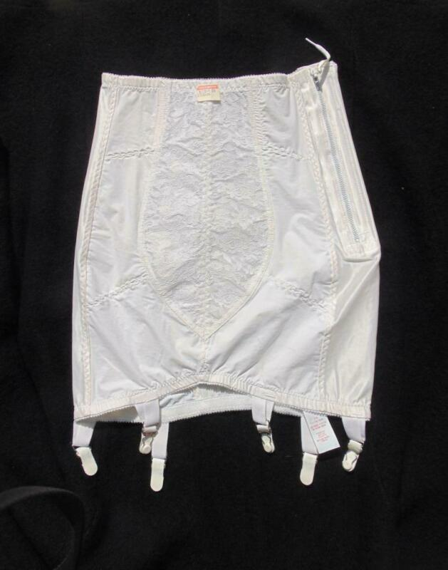 NOS VINTAGE YOUNG SMOOTHIE WHITE OPEN BOTTOM GIRDLE SIDE ZIP SM