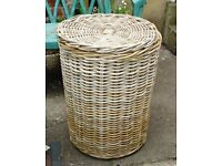 ALI-BABA CANE LINEN BASKET IN VERY GOOD CONDITION - CLEAN AND STRONG - CLOSE-FITTING LID