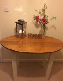Lovely Oval Shabby Chic Solid Wooden Kitchen Table