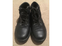 Mens Size 8.5 (42) Steel Toe Capped Black Work Shoes