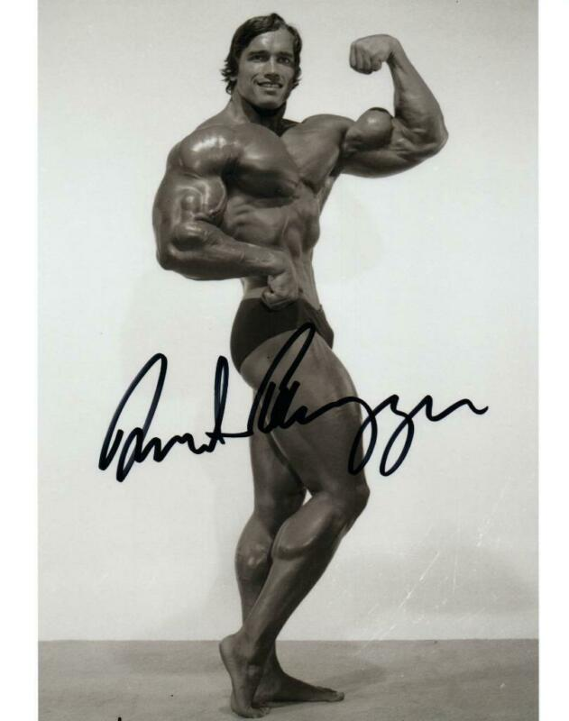 Arnold Schwarzenegger signed 8x10 Photo with COA autographed Picture very nice