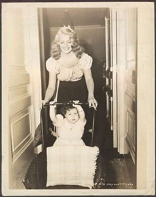 REAL PHOTO Rita Hayworth USA Actress With Baby