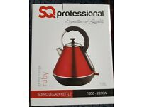 NEW & BOXED SQ professional 1.8L kettle Ruby Red