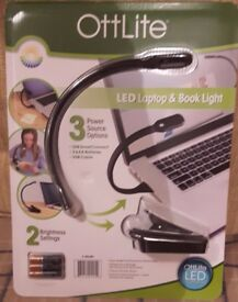 LED Laptop & Book Light inc Batteries & USB Lead