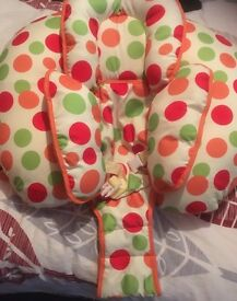 Clever cushion for mother/ baby
