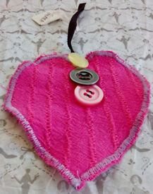 Love Heart Three Buttons Handmade Home Room Wall Hanging Decor Display Gift