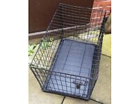FOUR PAWS MEDIUM SIZE DOG CAGE FOR SALE L. 30 W. 20 H. 22 Inches