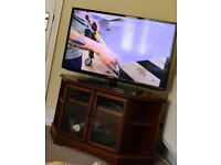 """TV for sale 42"""" and a corner table"""