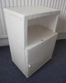 Bedside Table in Lloyd Loom Style to Upcycle