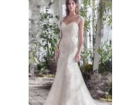 Wedding Dress. Size 6-10. Maggie Sottero Emma Lynette. Ivory. Perfect Condition. Lace, Full length.