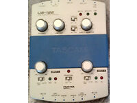 TASCAM US 122 USB Audio and Midi Interface