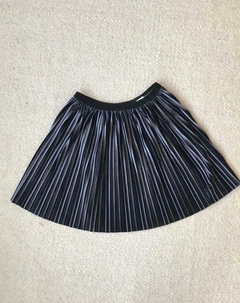 5d5733e8575 Zara mini skirt dark grey velvet size xs/ 12y | in Greenwich, London ...