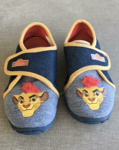 Sloefen Lion King Disney maat 28