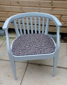 Set of 4 dining/occasional tub-shaped chairs. Shabby chic.