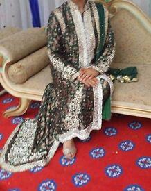Heavily embroidered Salwar Kameez/Jacket Suit Bollywood Fashion size 12 Wedding Dress