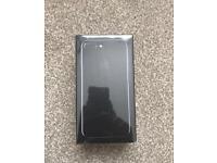 iPhone 7 plus 256 gb brand new JET BLACK + APPLE AIR PODS