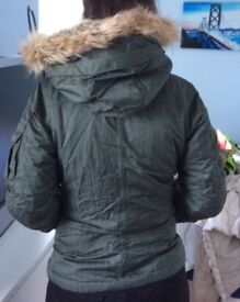 Ladies North Face Ski Jacket. Size small. Used on 1 ski holiday - excellent condition.