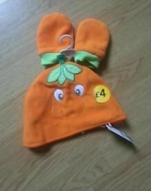 12-18months baby Halloween mitts&hat NEW with tags