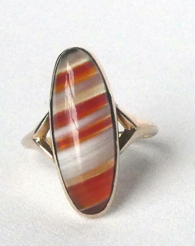Unique Vintage 10k Gold Red White Carnelian Banded Agate Long Navette Ring Sz4.5