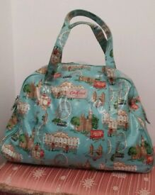 Cath Kidston holdall / weekend bag London print