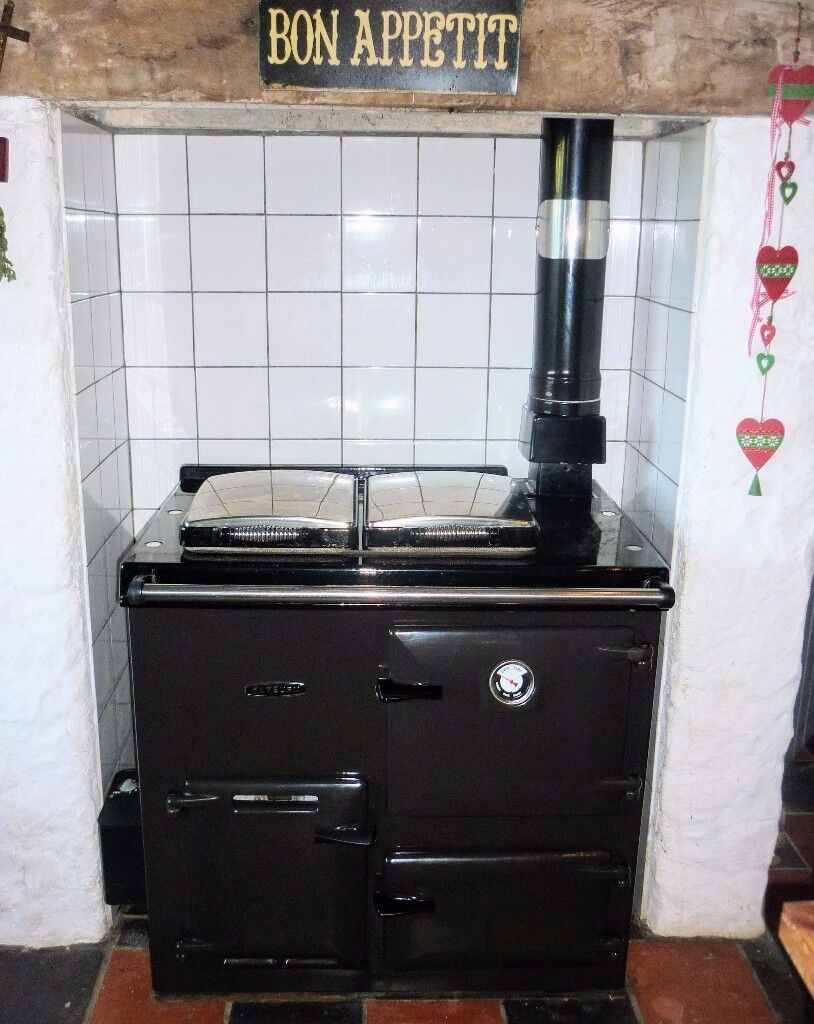 Rayburn Cookmaster Plus 308K Oil Fired Cooker Boiler Jet Black with Chrome Lids Good used condition