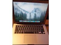 Apple MacBook Air 13-inch Laptop 4 GB RAM, 128 GB Silver - 2013