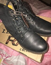 Brand new cat legendary raw black leather boots size 7