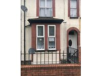 3 BED SPACIOUS MID & LOWER MAISONETTE & REAR SECURE GARDEN, FAB VIEWS! GREAT LOCATION, LONG LET!