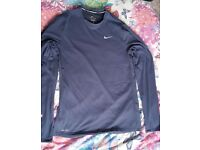 *** Men's NIKE running t-shirt and bottoms - GOOD CONDITION ***