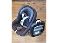 Maxi Cosi set ( Family fix + Pearl car seat ) REDUCED PRICE