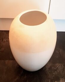 MUST GO | MAKE AN OFFER | Jane Packer Cream Vase | Heavy Duty | High Quality | Sheffield