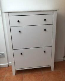 Shoe storage cabinet with drawer