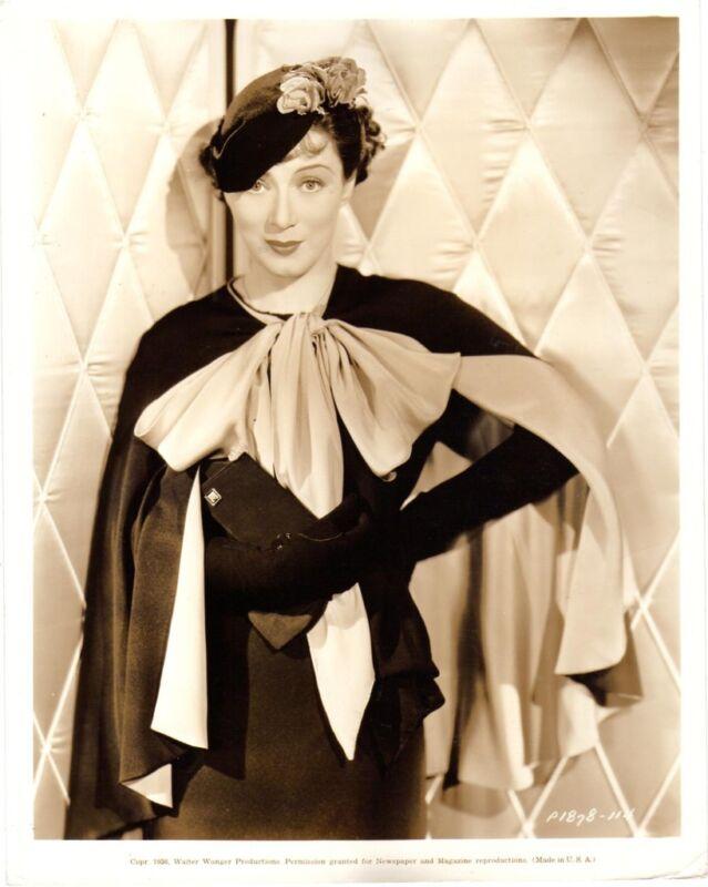 MARY ELLIS ,  f13182