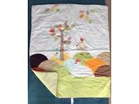 Baby Mamas and papas cotbed quilt