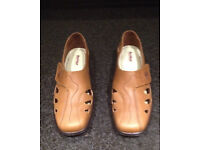 Hotter tan leather Passion shoes size 6.5 UK - unworn and in original box