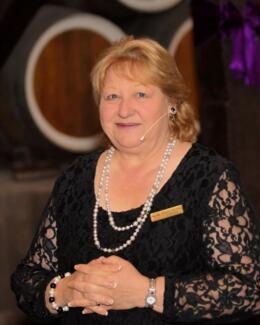 Di Charman - Civil Marriage Celebrant Stockport Clare Area Preview