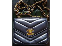 Vintage c1990's Chanel Chevron Quilted Navy Blue Leather Handbag Shoulder Bag with Authenticity