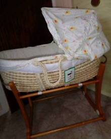 MOTHERCARE Winnie The Pooh Moses Basket