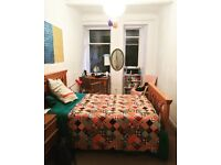 Big room to rent in amazing Park Circus flat - £600 for 6 weeks - great location in West End