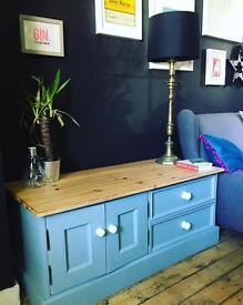 Pine cupboard with drawers