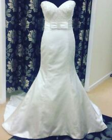 Ronald Joyce Victoria Gown - As new condition