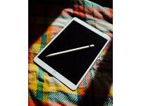 Apple 10.5-inch iPad Pro 2 Wi-Fi 256GB – Silver – Students, Illustrators, graphic designers.