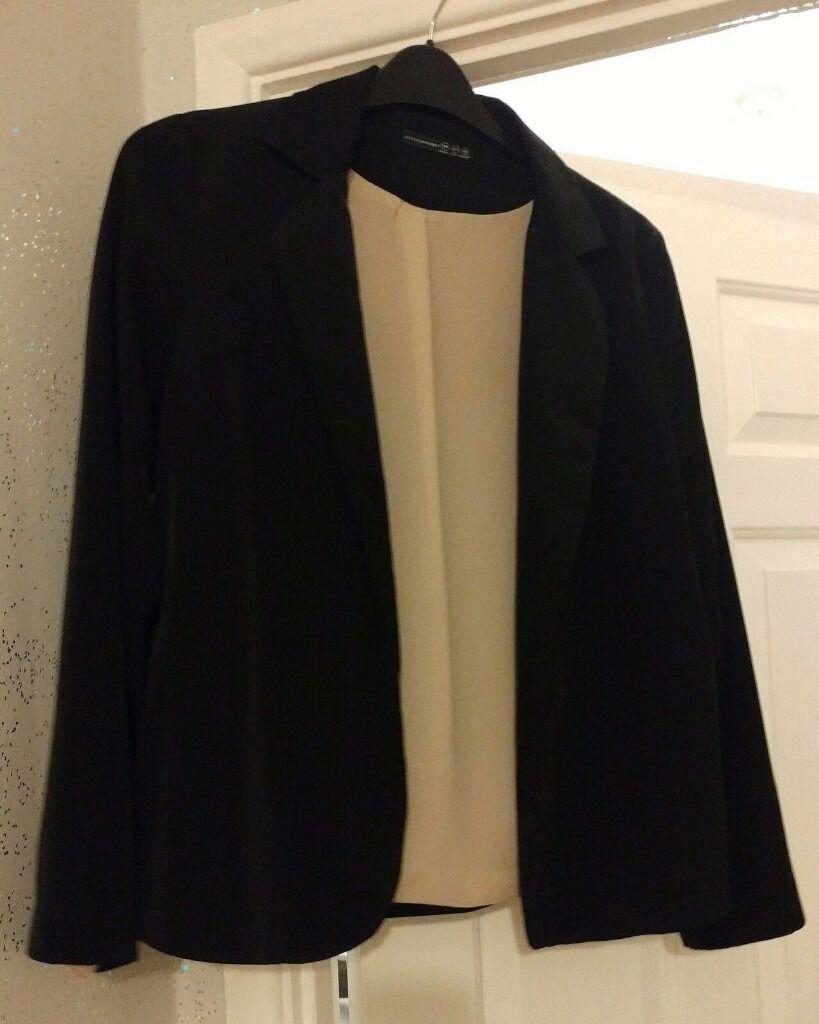 Womens short jacketin Ripley, DerbyshireGumtree - Womens next short black jacket gold inside. In ex cond size 14