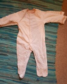 New Grosuits 6-9 Months