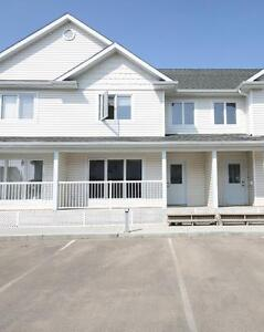 Grandview Townhouse with Finished Basement - Free June Rent!