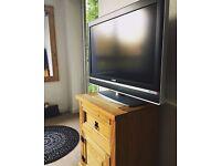 Sony Bravia 32 Inch LCD TV, £95